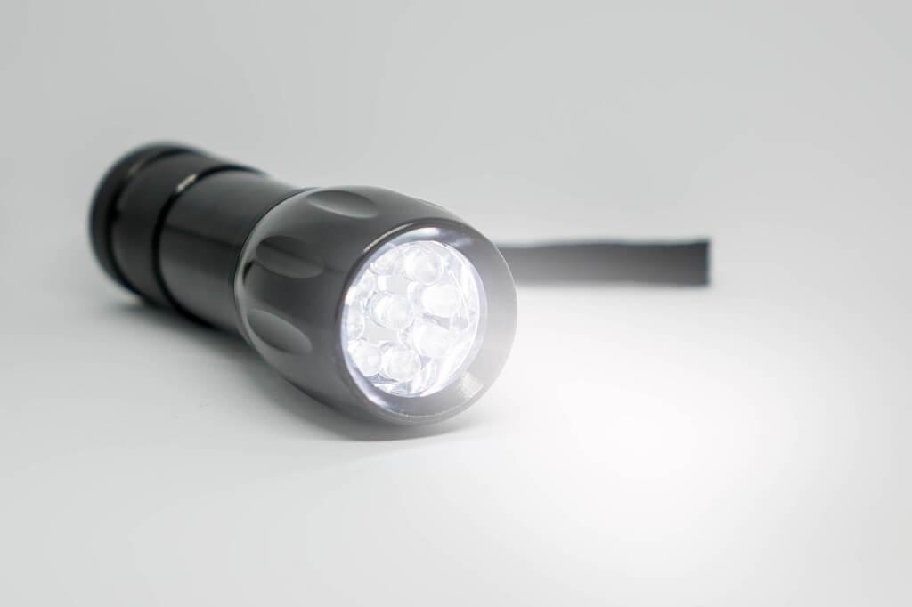 Linterna eléctrica HID